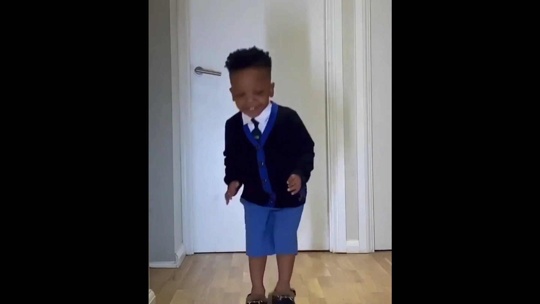 When child show you how to dress.mp4