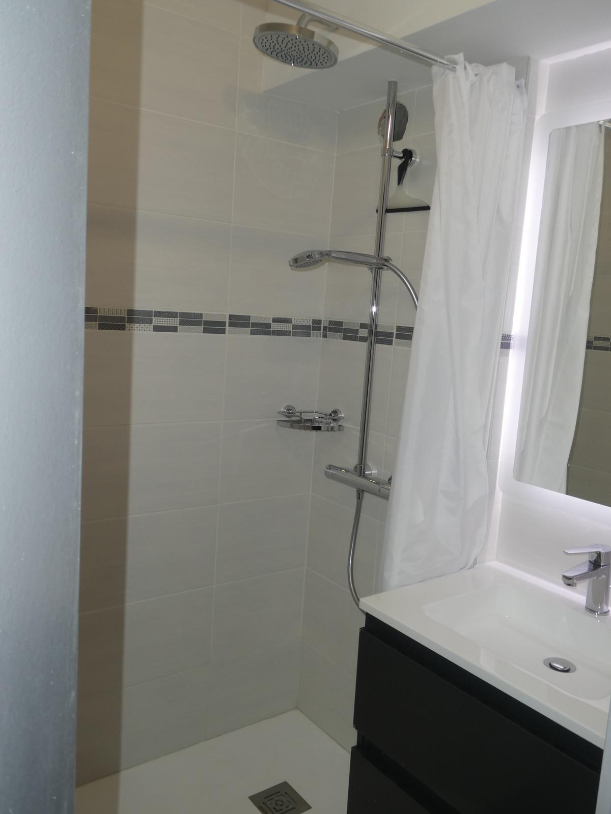 Salle De Bain Faience Grise salle de bain carrelage gris