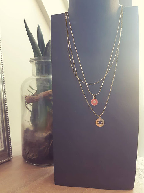 les triples : Collier  corail /framboise