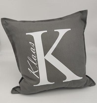 Buchstaben Kissen mit Namen personalisiert