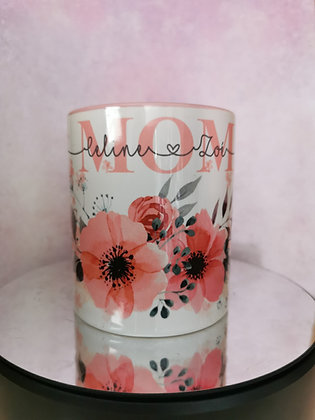 MOM Farbtasse rosa mit Blumenmotiv personalisiert