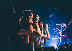 Los fotógrafos de música en un concierto