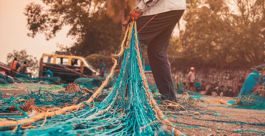 A%2520fisherman%2520weaves%2520and%2520c