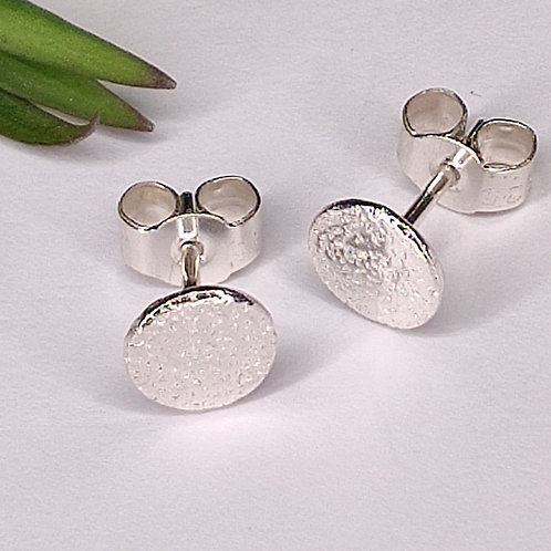small 6mm moon crater studs