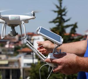 avión no tripulado de despegue