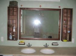 Badspiegel in Nussbaum