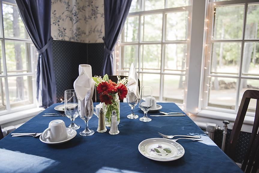 Blue Room Pine Lodge Resort