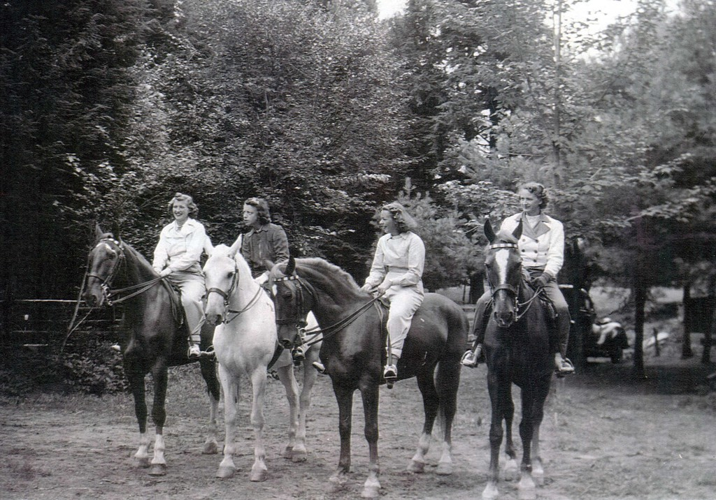 Horseback Riding at Pine Lodge
