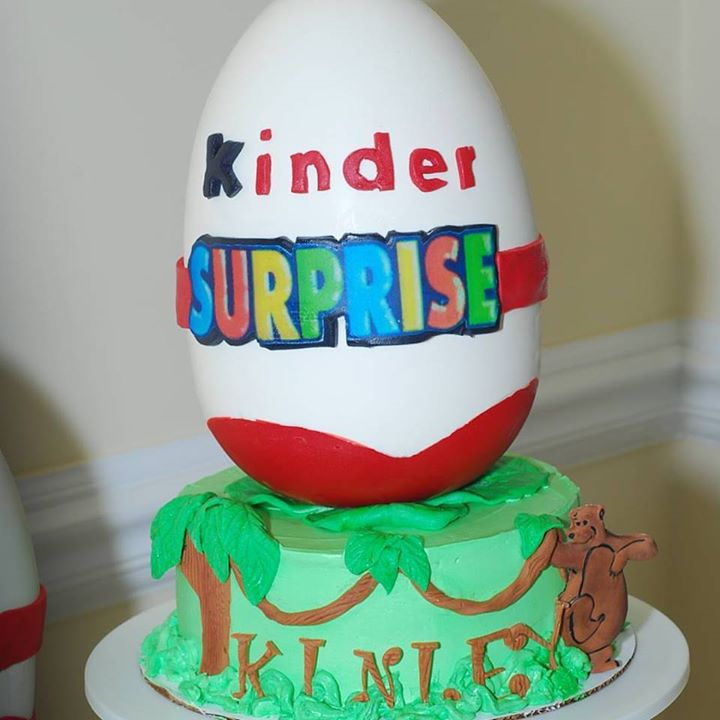#kinderegg #kindereggcake