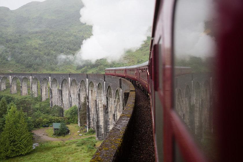 train-4362166_1920.jpg