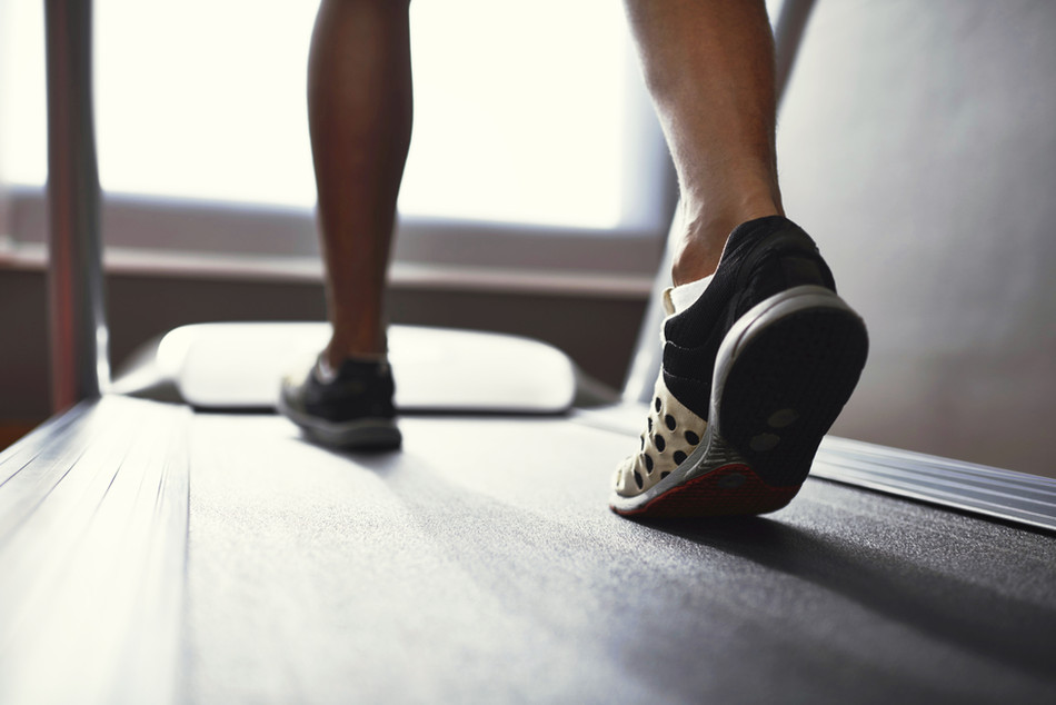 5 Easy-on-the-Knees Treadmill Workouts