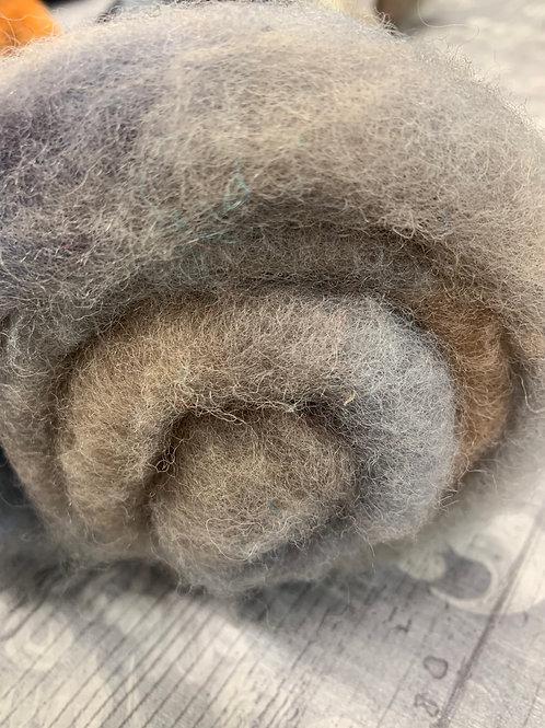 Hand dyed Finnsheep batt 052