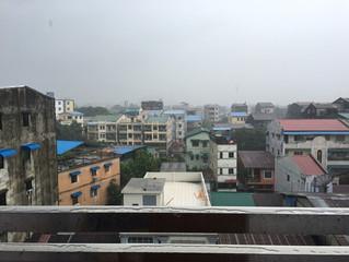 ミャンマーの雨