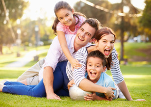 LA FAMILIA: PIEDRA ANGULAR EN LA SOCIEDAD