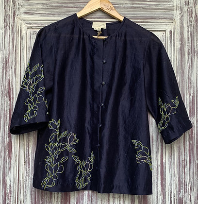 Knotted embroidery shirt