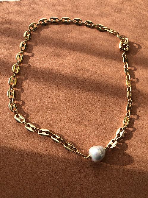 Elaheh Baroque Pearl Necklace
