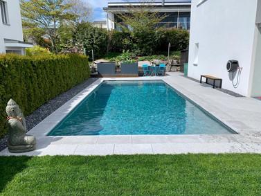 Gartenumänderung mit neuem Pool  und Hochbeeten