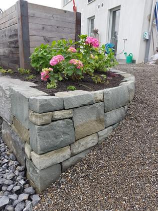 Schottisches Mauerwerk aus Sandstein