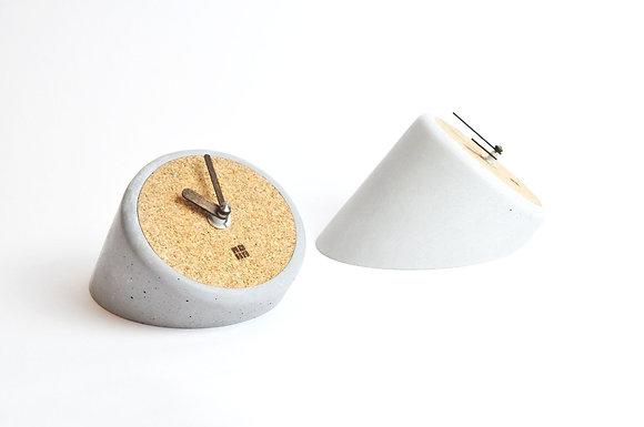 Tischuhr, MOHA-Design