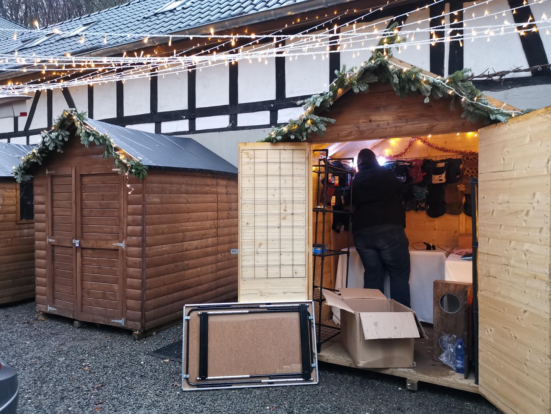 Rösrath_Dez Aufbau Weihnachtsmarkt.jpg