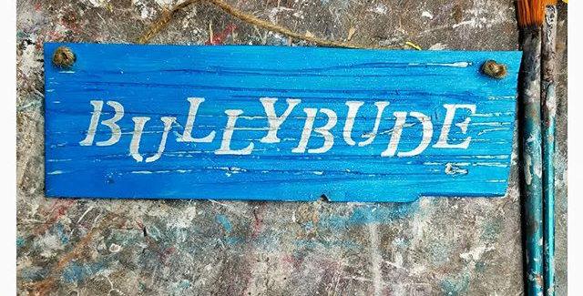 BULLYBUDE- Statement Schild aus Holz