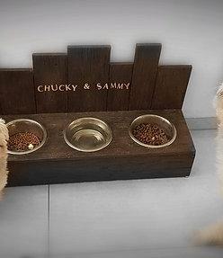 Hundebar mit 3 Näpfen- Kolonialstil,