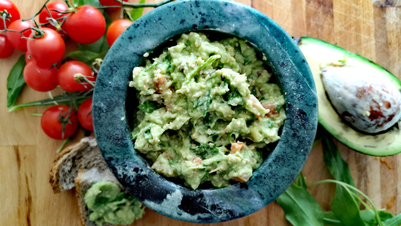 Spicy rocket guacamole