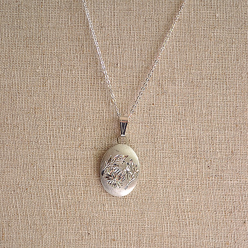 Flower of the Month Pewter Pendant - November