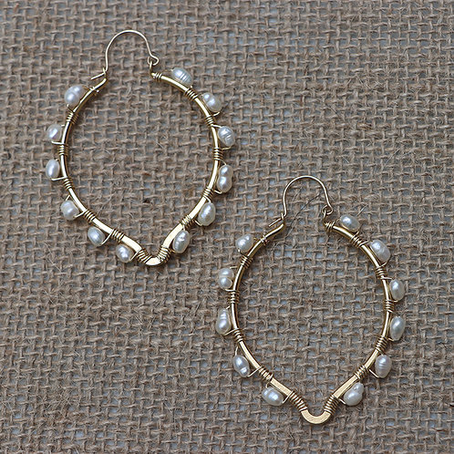 Gold Oval Point Earrings with Pearls