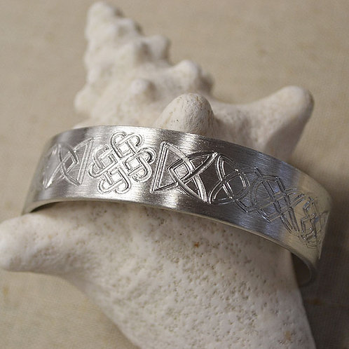 Celtic Heart Knot Pewter Bracelet