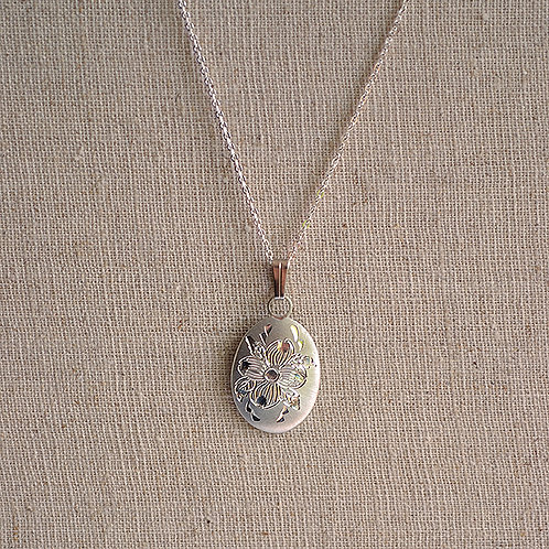 Flower of the Month Pewter Pendant - April