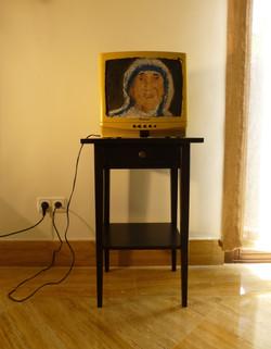 Madre Teresa. 32x35,5x34,5cm. T mixta sobre TV. 2013.