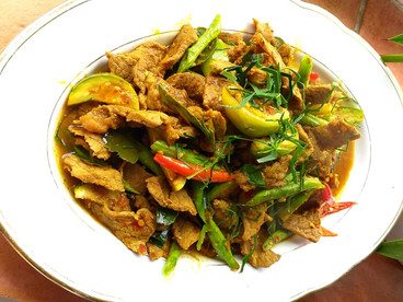 Stir Fried Beef with Red Curry Paste