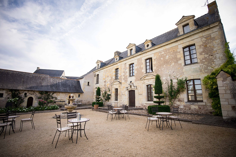 mariage au prieuré saint ellier près de Brissac entre Angers et Saumur.