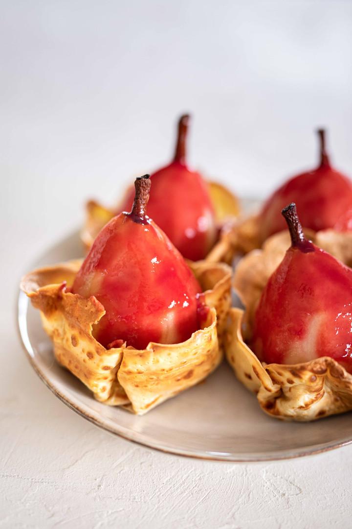 Photographie culinaire - poires et crêpes dentelles