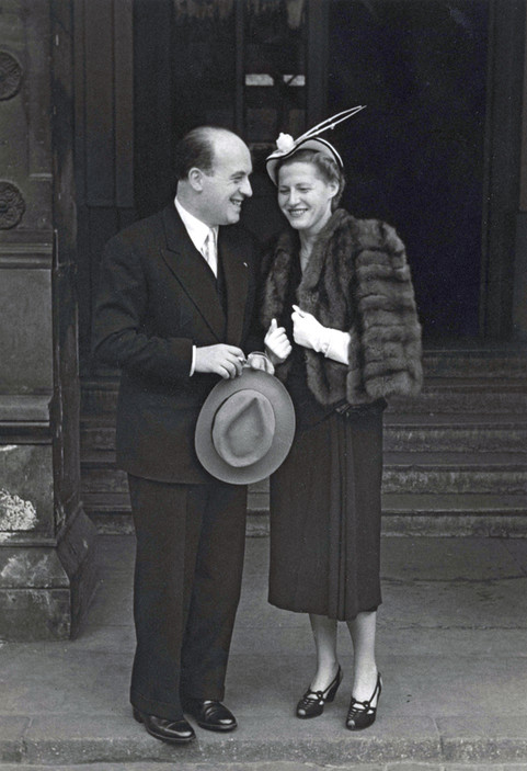 Genia and Jacques Meyer-Morton on their wedding day