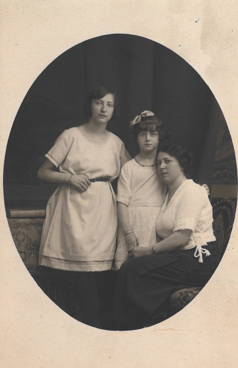 Marie Malach with her daughters