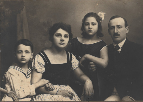 Marcus Neyman with his family