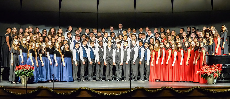 2019%20full%20choir%20formal_edited_edited_edited.jpg