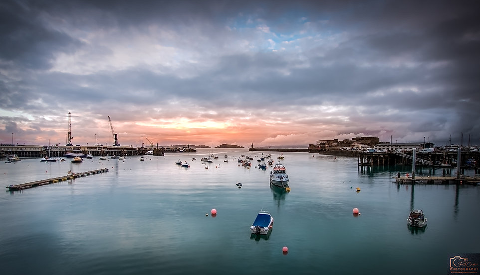 (Photo Framed) One Shot of St Peter Port Harbour (PCP8810)