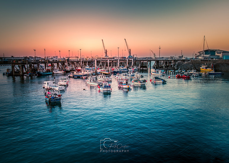 (Canvas) St. Peter Port Harbour & Boats (PCP0188)