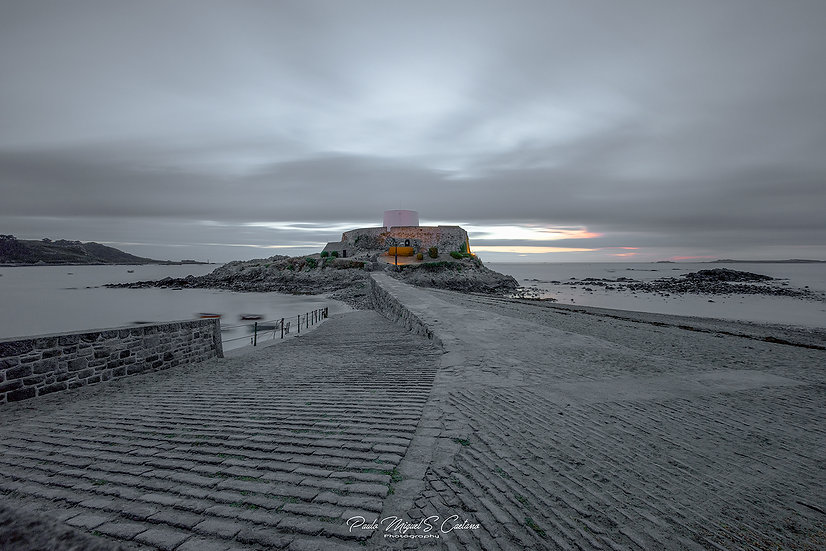 (Photo Framed) A Grey Day at Fort Grey (PMC5260)