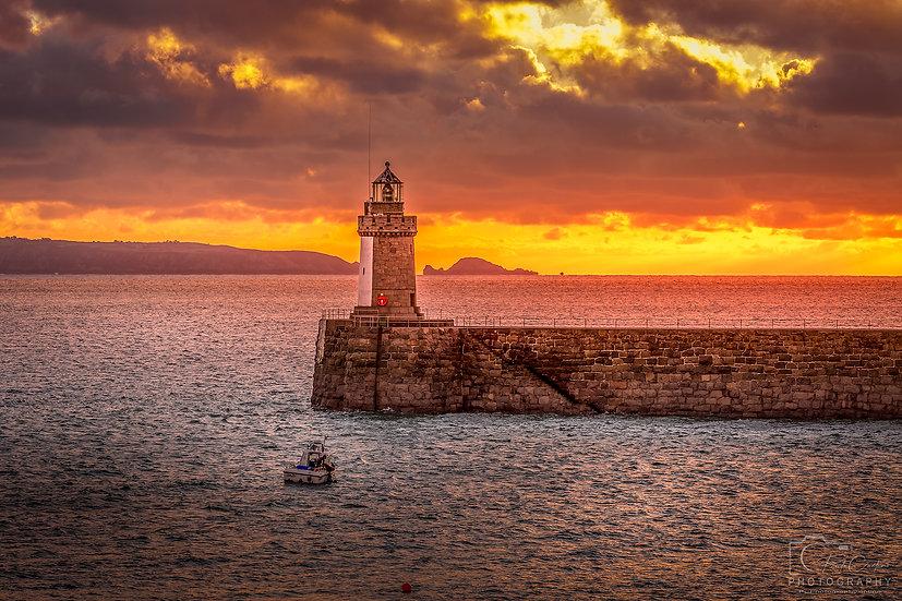 Castle Cornet Lighthouse at an Autumn Sunrise (PCP9570)
