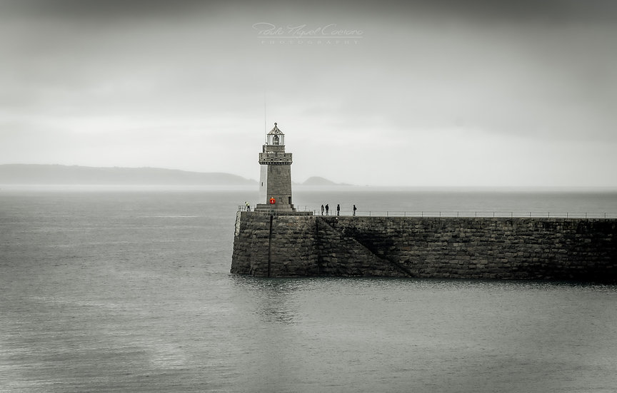 (Photo Framed) The Lighthouse Meeting - Saint Peter Port - Guernsey (PCO5036)