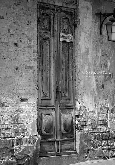 Canvas) Old Historic Russian Wooden Door (PMC1874)