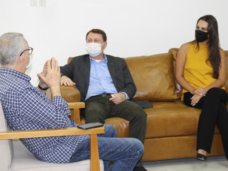 David Soares debate necessidades de Americana com prefeito e vereadora