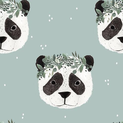 Panda mit Eukalyptus Kranz