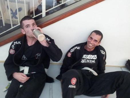 תהליך קבלת החגורות בג'יוג'יטסו ברזילאי, תהיות ופרשנות- חגורה לבנה