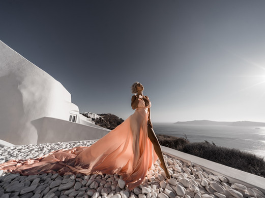 10 Tips for the perfect wedding and engagement photoshoot in Santorini