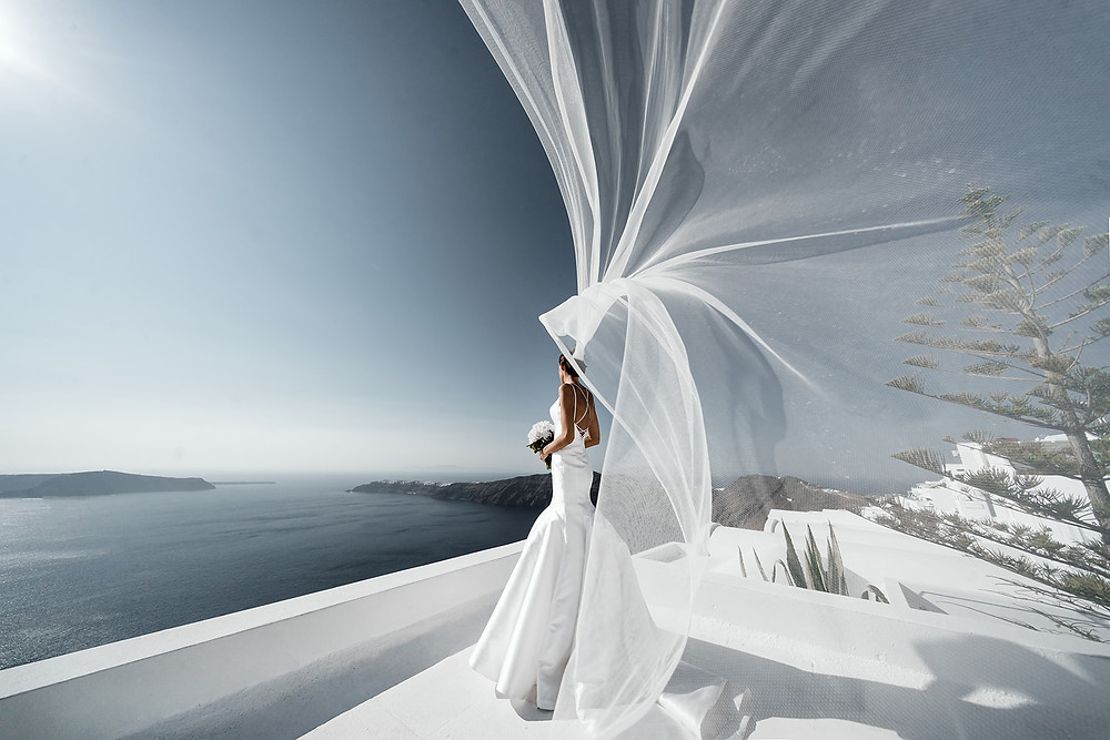 Wedding and engagement photoshoot in Santorini